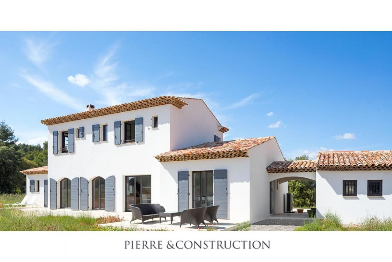 Exemples De Construction Et Renovation De Maisons Provencales Ces Villas Provencales Ecologiques On Couleur Facade Maison Constructeur Maison Maison Provencale