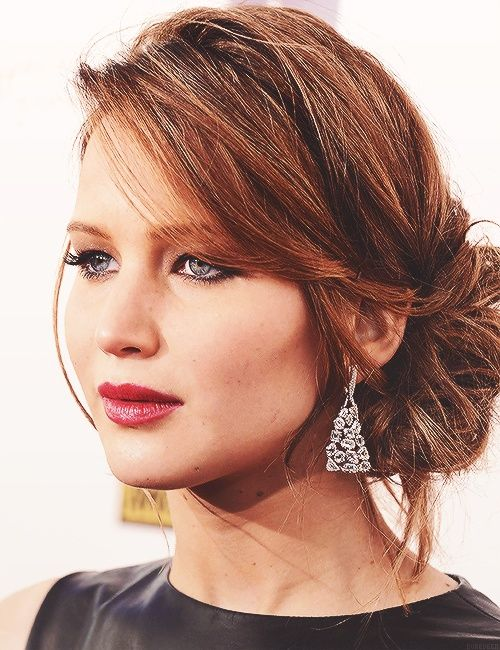 <0> Jennifer Lawrence.