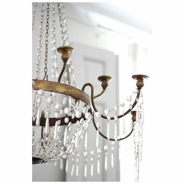 Adore this antique chandelier #weddingdetails #huntthatwedding #Repost  @antiqbr ・・・ # - Adore This Antique Chandelier #weddingdetails #huntthatwedding