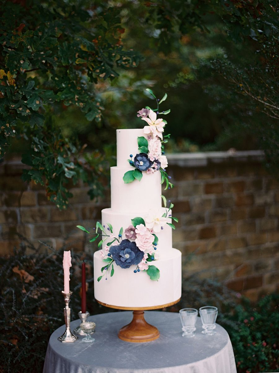 A Fall Wedding in Texas With Secret Garden Style Types