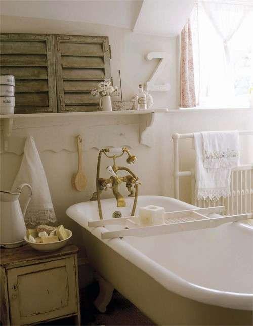Arredare il bagno in stile romantico - Vasca da bagno vintage ...