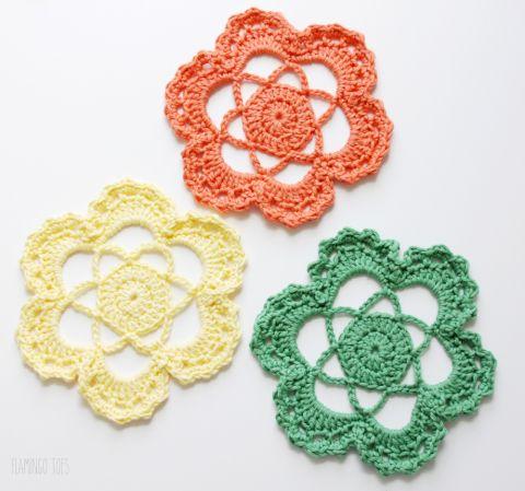 Easy Crochet Flower Medallion -   Pinterest   Free crochet doily ...