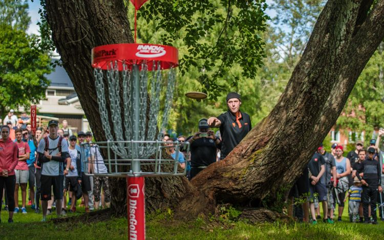 Five disc golf putting tips for instant results