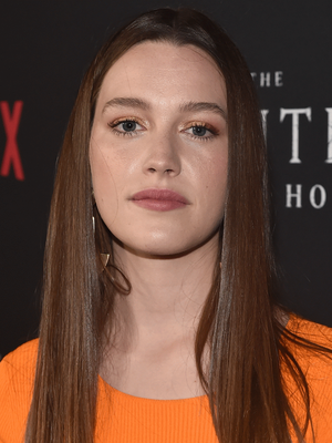 5 Ways Victoria Pedretti S You Season 2 Character Is The Same As Nellie From The Haunting Of Hill House Tv Guide In 2020 Victoria Oliver Jackson Cohen Tv Guide
