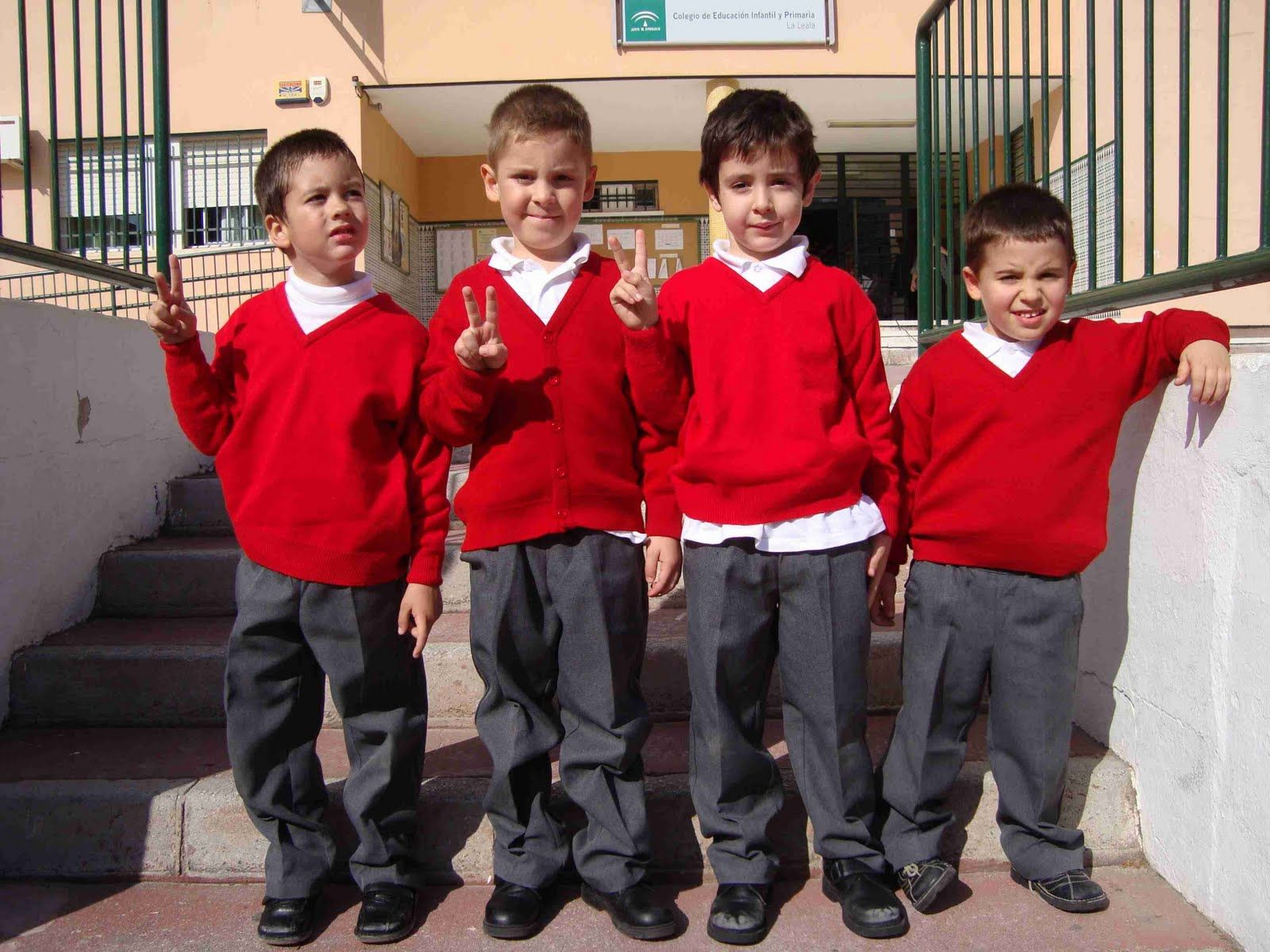 Uniformes escolares mexico google search uniformes for Escuelas con comedores escolares