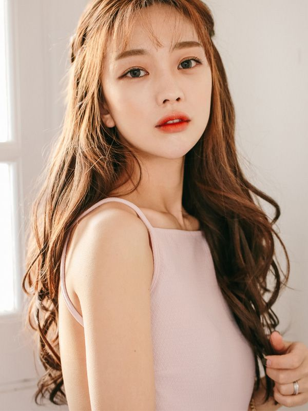 Asian Wavy Hairstyles For Long Hair : Pin by widy jati on korean long curly hair pinterest ulzzang
