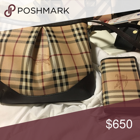 Burberry Sling with matching wallet Authentic Burberry sling bag with  wallet Gently used burberry Bags Shoulder Bags 5ddbd55fff