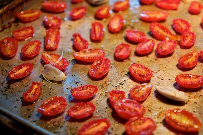 Puolikuivatut kirsikkatomaatit