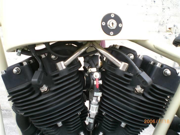 Harley Davidson fl 1200  SOLGT ! - hjemmelavet rustfri top motor beslag,og tændspole gemt i benzintanken billede 14