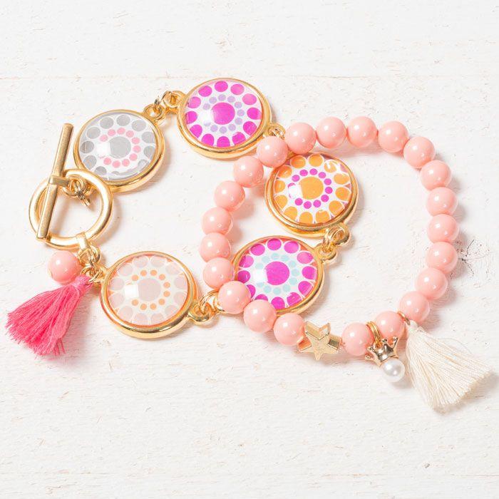 Boho Armbänder mit Glascabochons, Crystal Pearls und Troddeln.