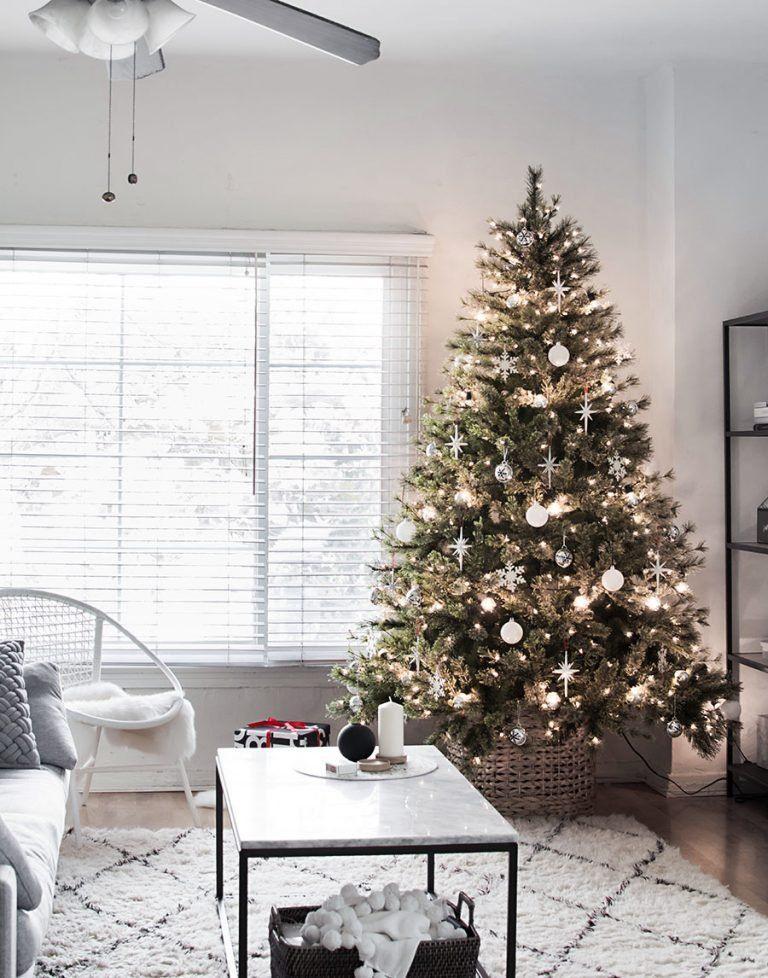 Modern Minimal Christmas Tree Homey Oh My Cool Christmas Trees Christmas Decorations Apartment Simple Christmas Decor
