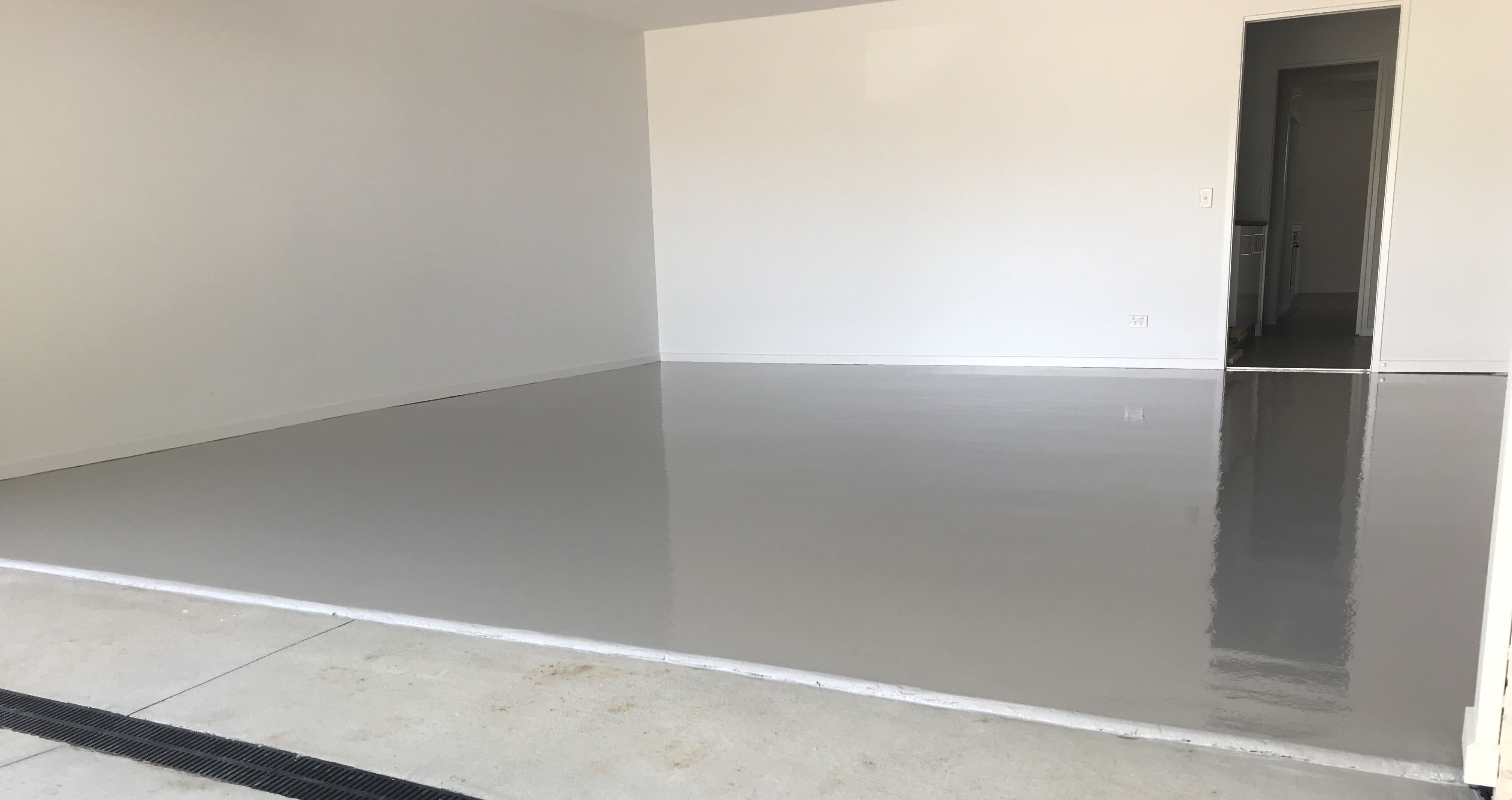 A Simple But Stunning Plain Coat Is All You Need To Protect Your Garage Floor Especially If You Are On A Budget Flooring Concrete Coatings Metallic Epoxy Floor