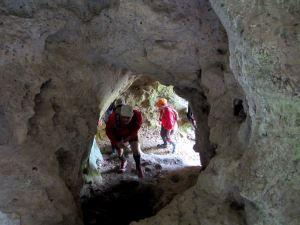 2. Team Bittel und Trampelpfad Höhlenlauf bei Muggendorf am 1. Mai 2013 - Einzigartiges Lauferlebnis - Film von Thomas Schmidtkonz: http://laufspass.com/laufberichte/2013/hoehlenlauf-2013-film.htm