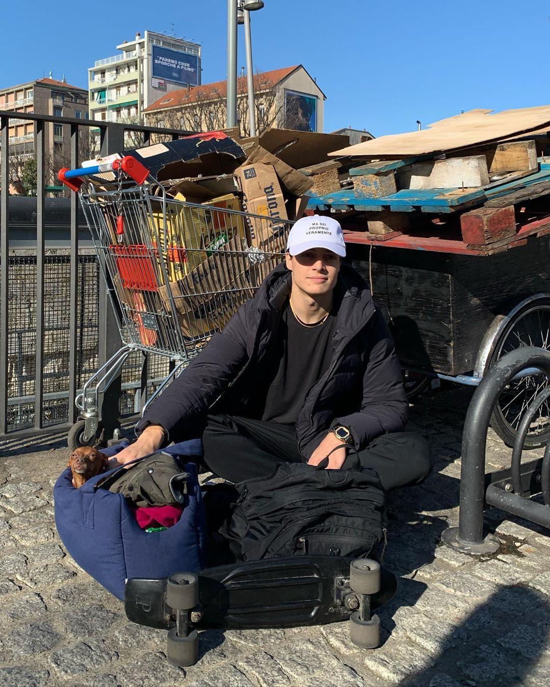 Luis Sal On Instagram Mi Sono Rotto La Palle Lascio Tutto Baby Strollers Instagram Stroller