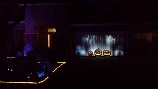 Garage Projection Question-2jpg Hallelujah Halloween Pinterest - halloween garage ideas