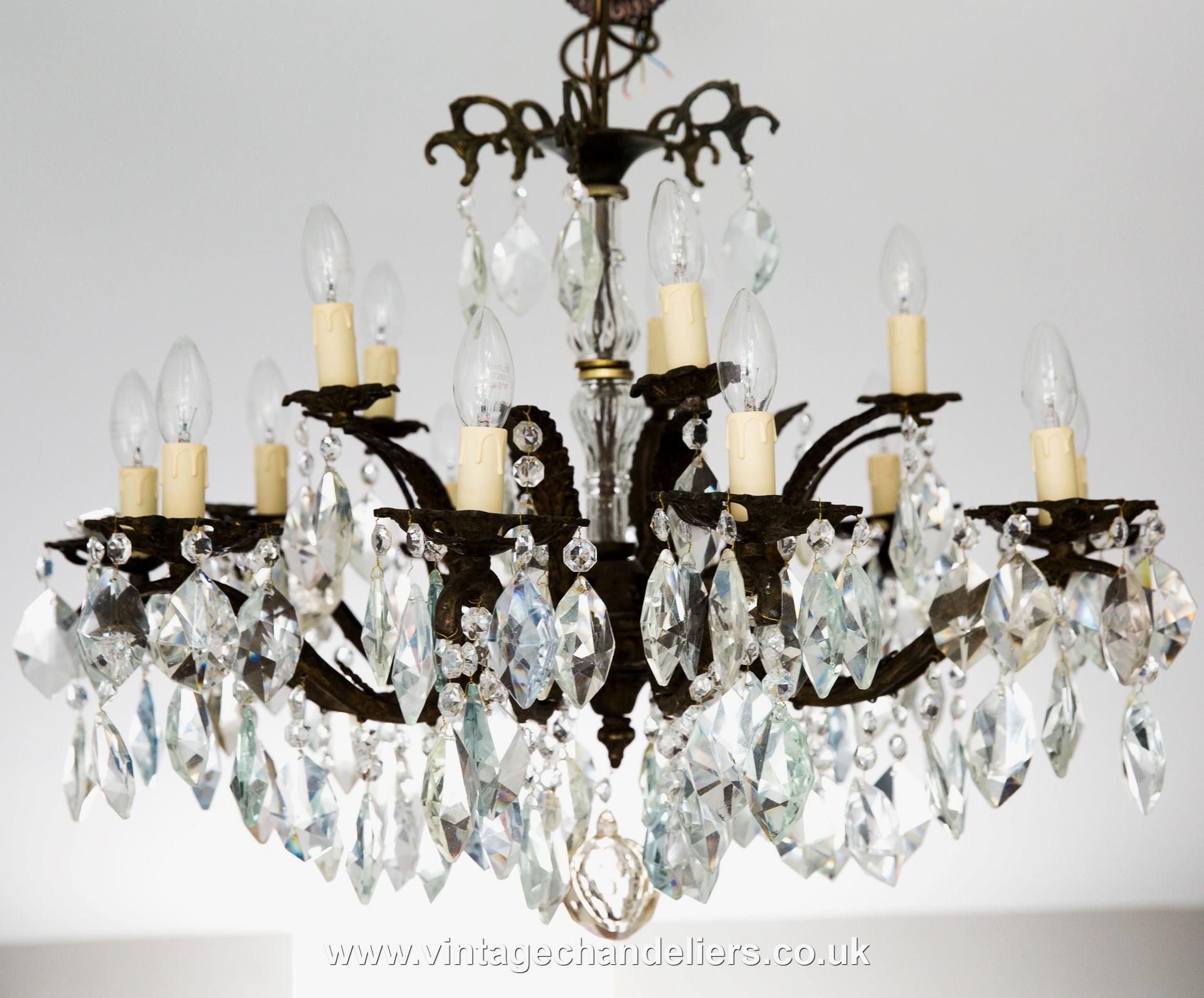 Chandeliers honeyb vintagechandelier antiquechandelier eclectic chandeliers honeyb vintagechandelier antiquechandelier eclectic chandelier brasschandelier chandeliers aloadofball