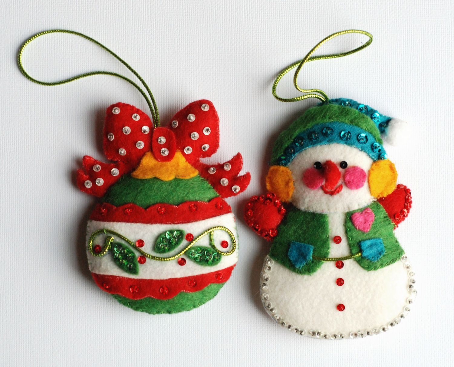 Christmas felt ornaments - Vintage Felt Christmas Ornaments With Sequins