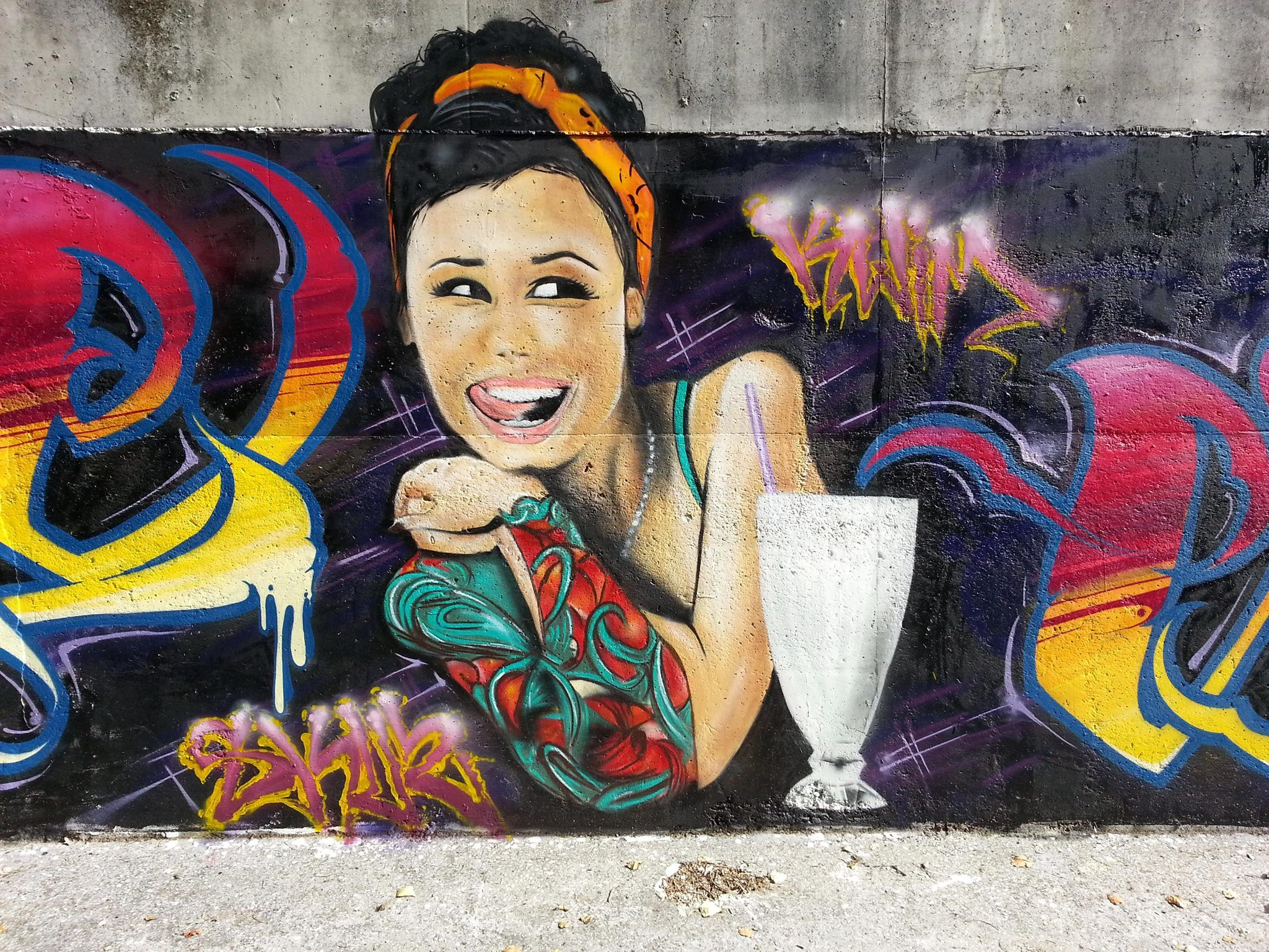 Kwim twe street art los angeles pinterest for Audrey hepburn mural los angeles