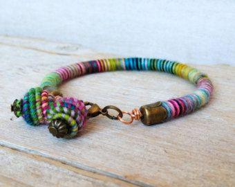 Handmade Copper Textile beads wrap bracelet por jimenasjewelry