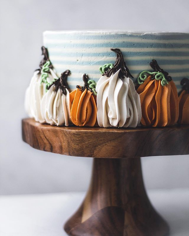 "Katie Severn | Cake Decorating on Instagram: ""Buttercream pumpkins piped with a 1M=easiest pumpkins ever. Also. Pumpkin is one of those words that starts to sound weird real quick when…"""