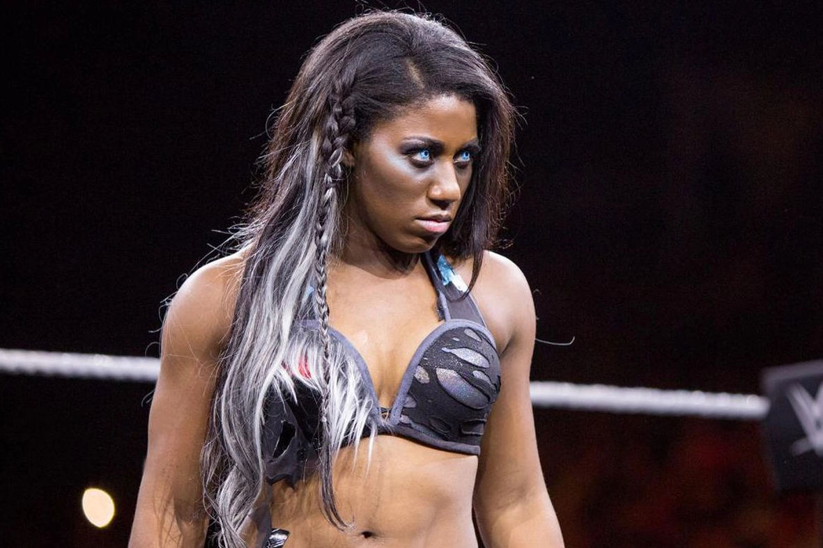 Ember Moon Makes Her Shocking Return At Nxt Takeover 31 Pics Video Nxt Takeover Female Wrestlers Black Wrestlers