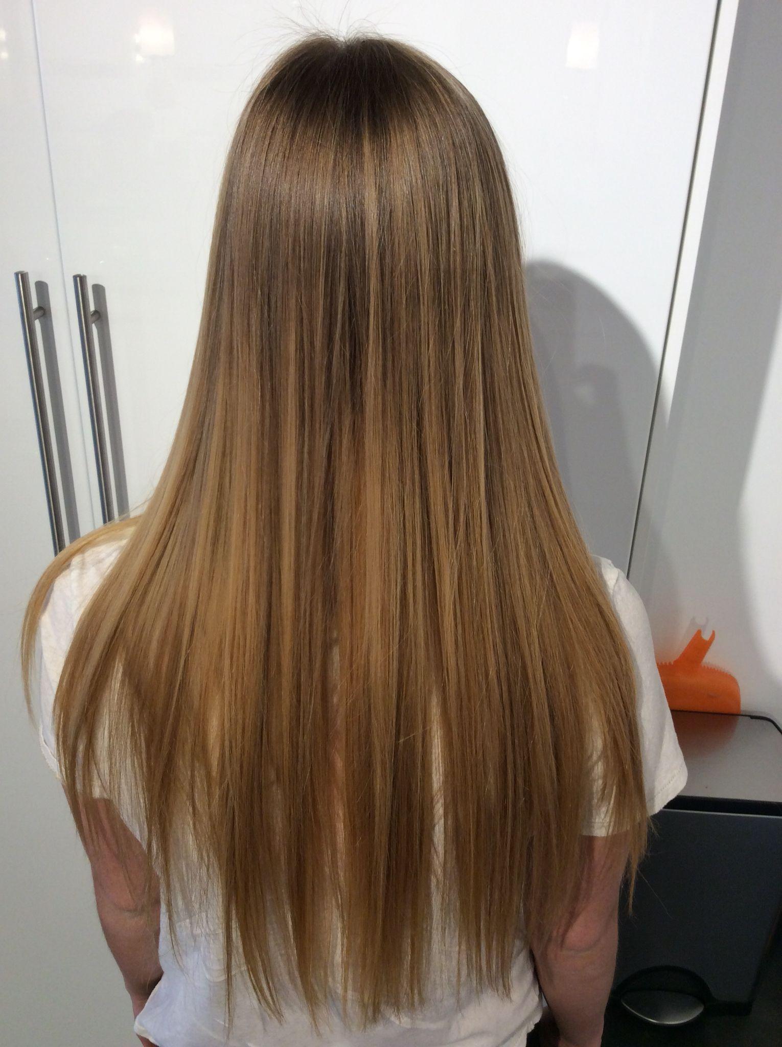 Soft Golden Blonde Ombre Balayage On Long Straight Hair Straight Hairstyles Blonde Ombre Balayage Balayage