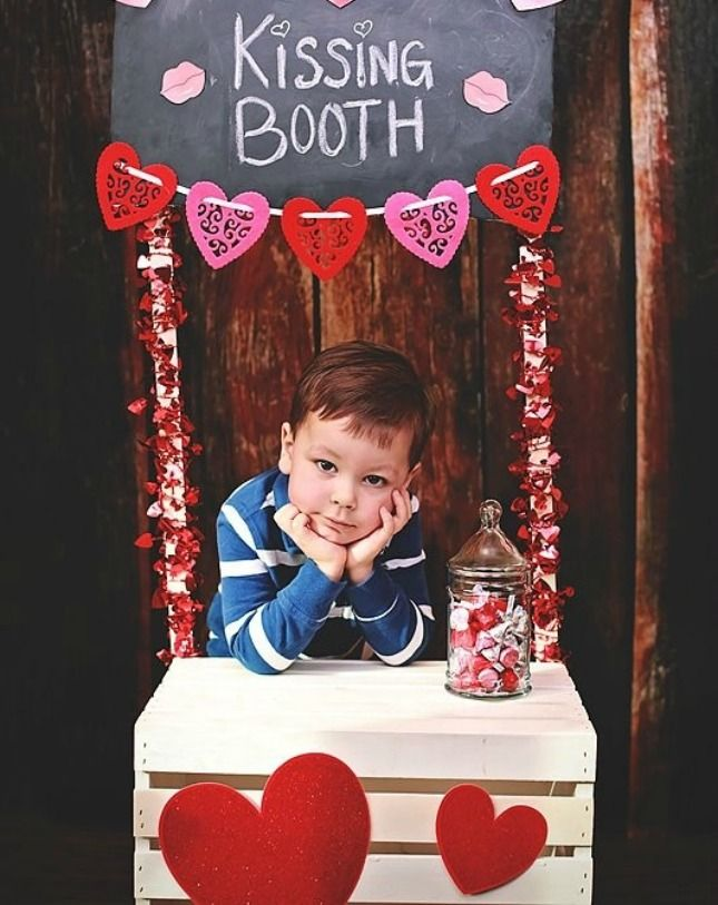 A Kissing Booth What A Cute Idea For A Kids Valentine S Day Themed