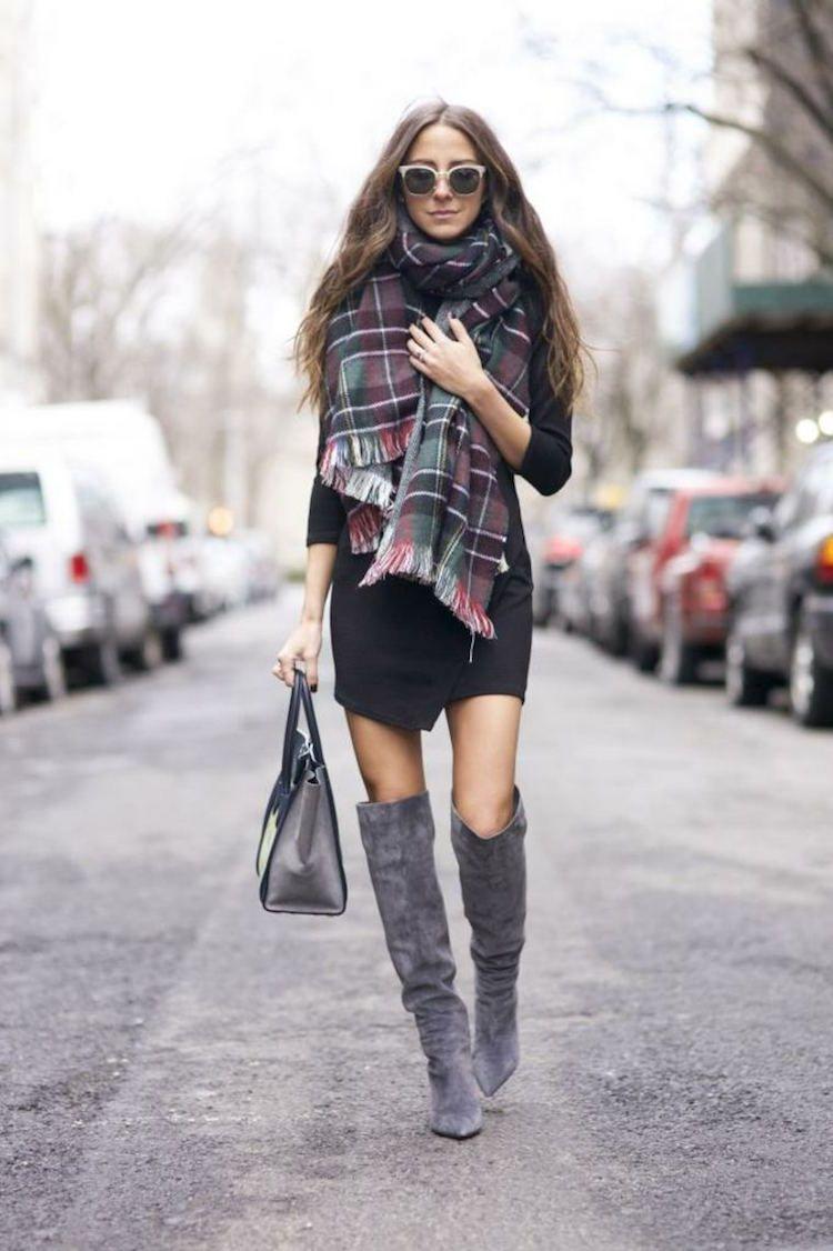 écharpe oversize plaid,bottes,genoux,jupe,courte
