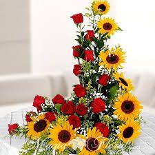 Arreglos Florales Con Girasoles Y Rosas Buscar Con Google Con