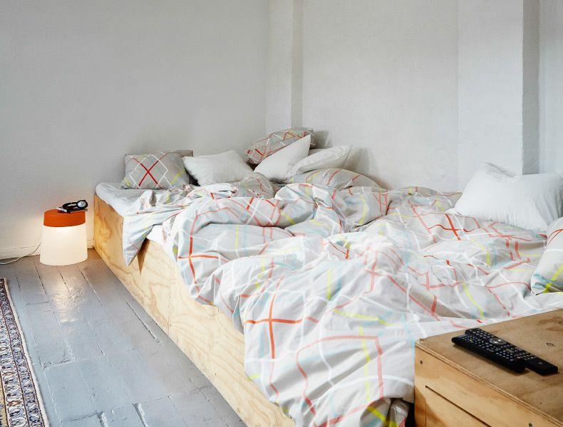 lit deux personnes d fait avec ikea ps 2014 housse de couette et taies d 39 oreiller mobiliers. Black Bedroom Furniture Sets. Home Design Ideas