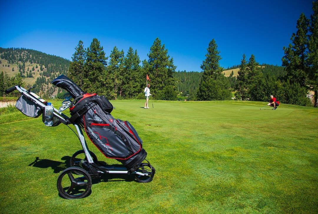 The Sync Bag Is Designed For Push Carts With Forward Facing Pockets That Are All Accessible When On A Cart Golf Shop Golf Push Cart Sun Mountain Sports