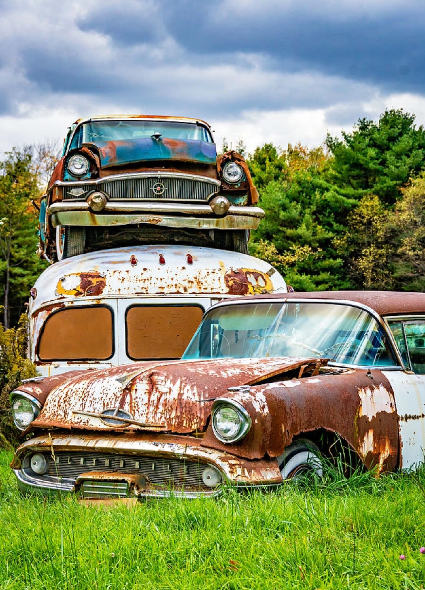 Rusty old vehicles. Source Plus.google.com | Beautiful Vintage Cars ...