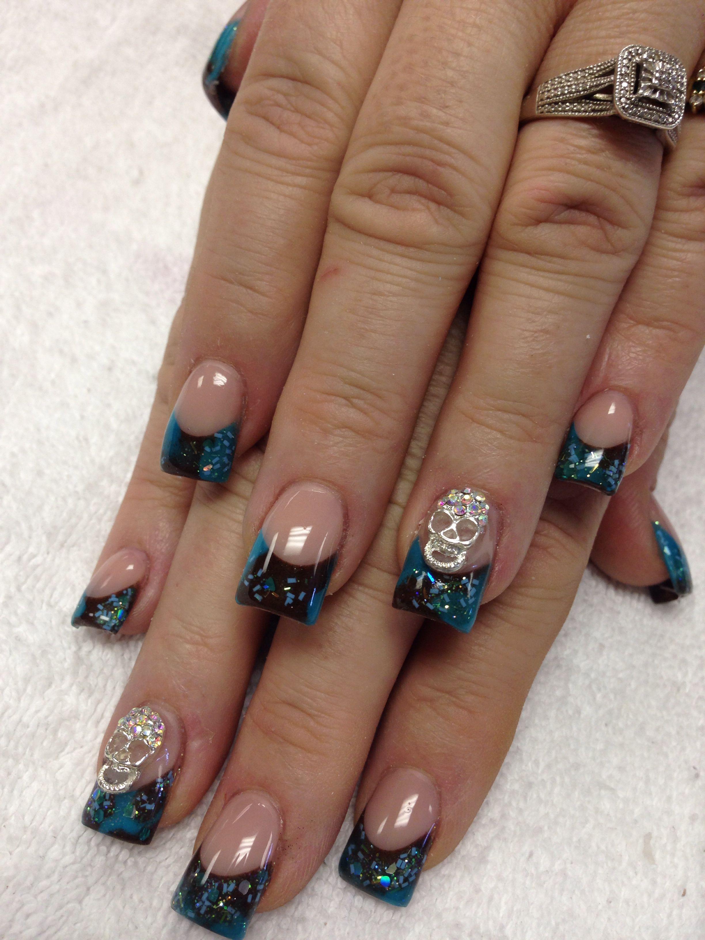 Acrylic nails with skull | Holiday acrylic nails, Makeup nails