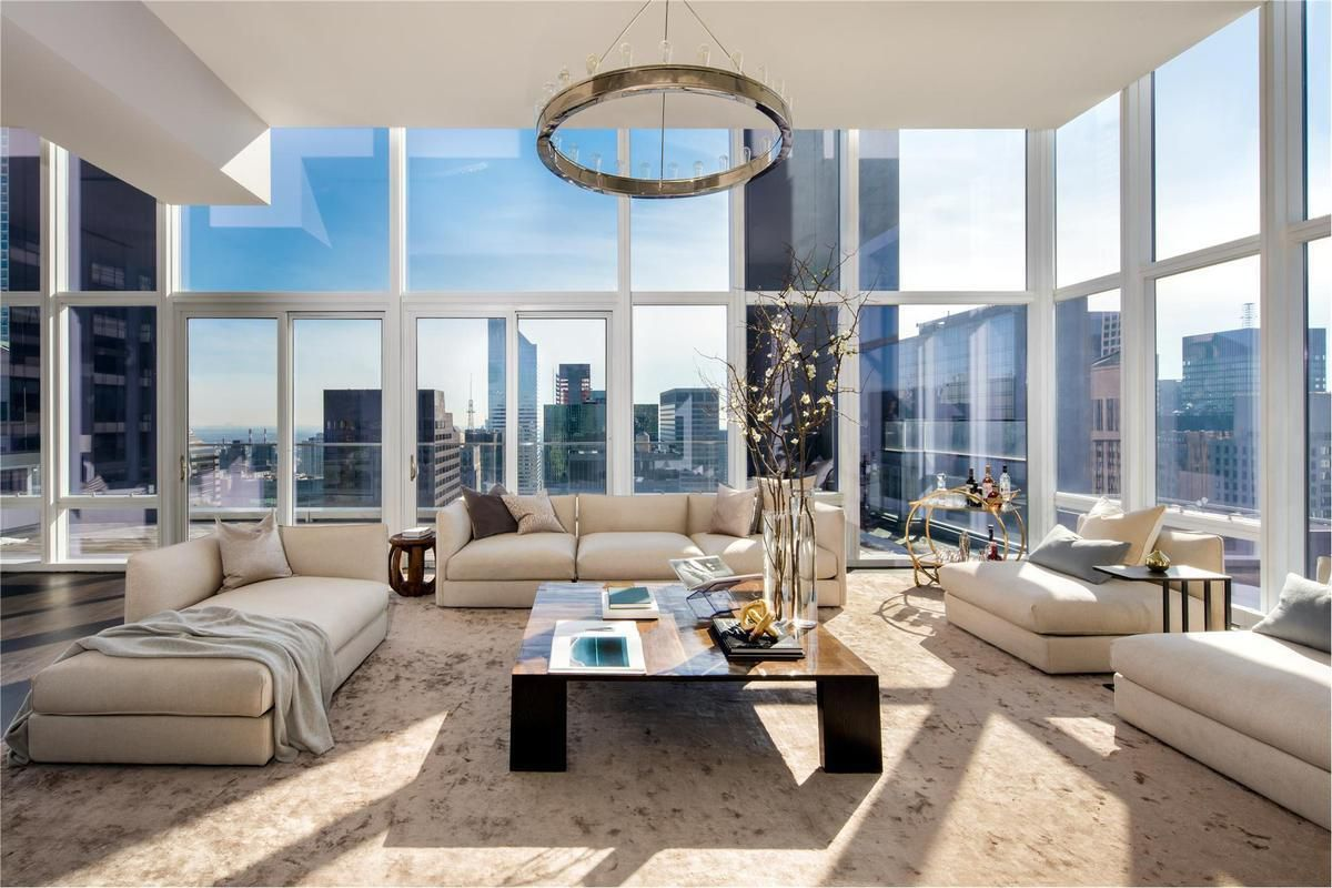 Artsy and Contemporary Penthouse in London by