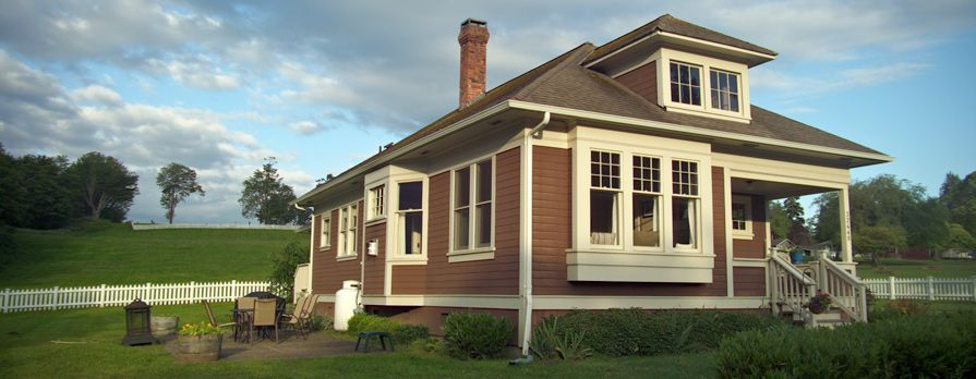 Port Gamble Guest Houses Create New Memories Waterfront Homes Historic Vacation House Styles