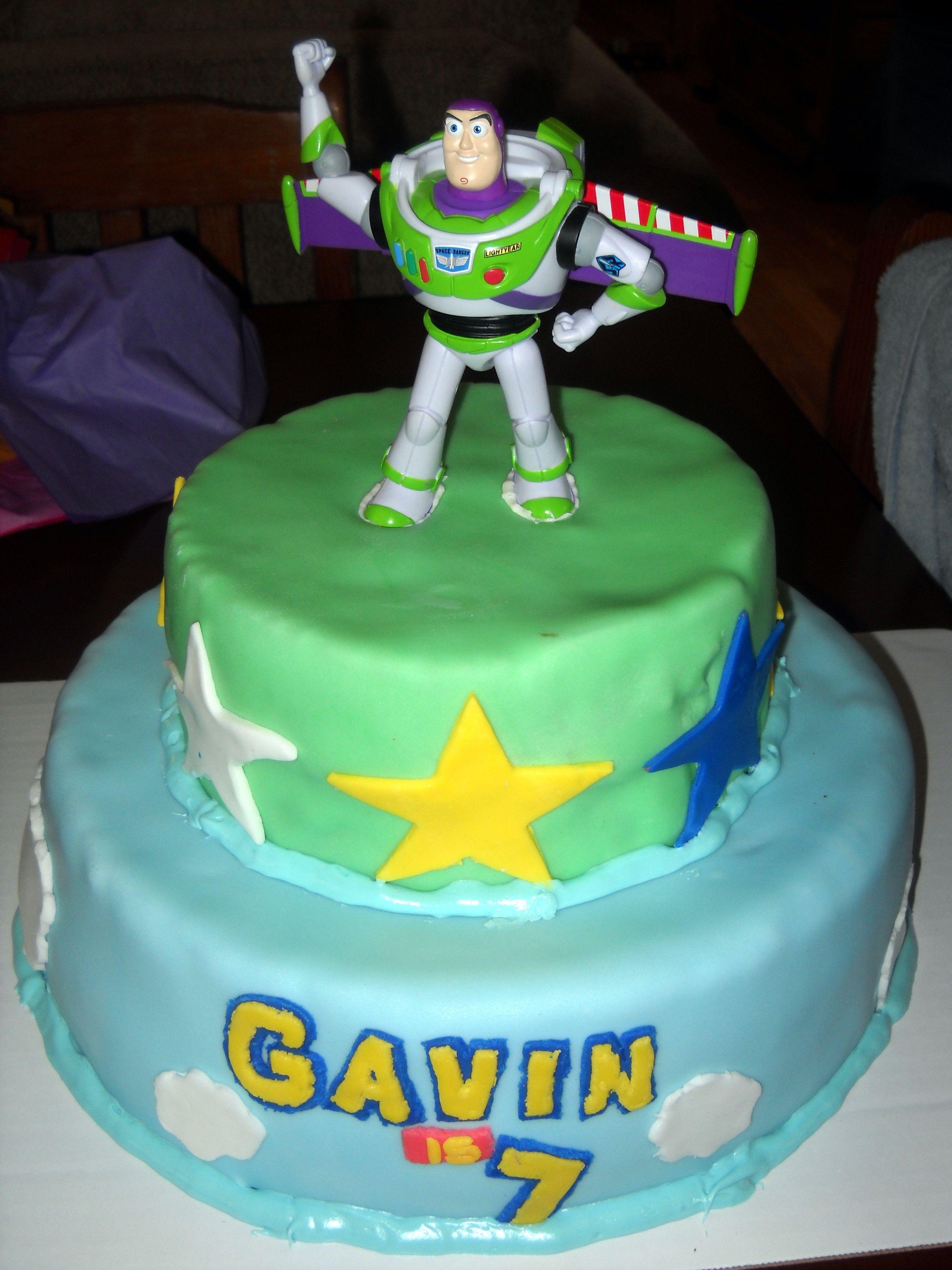Buzzlight Year Cake