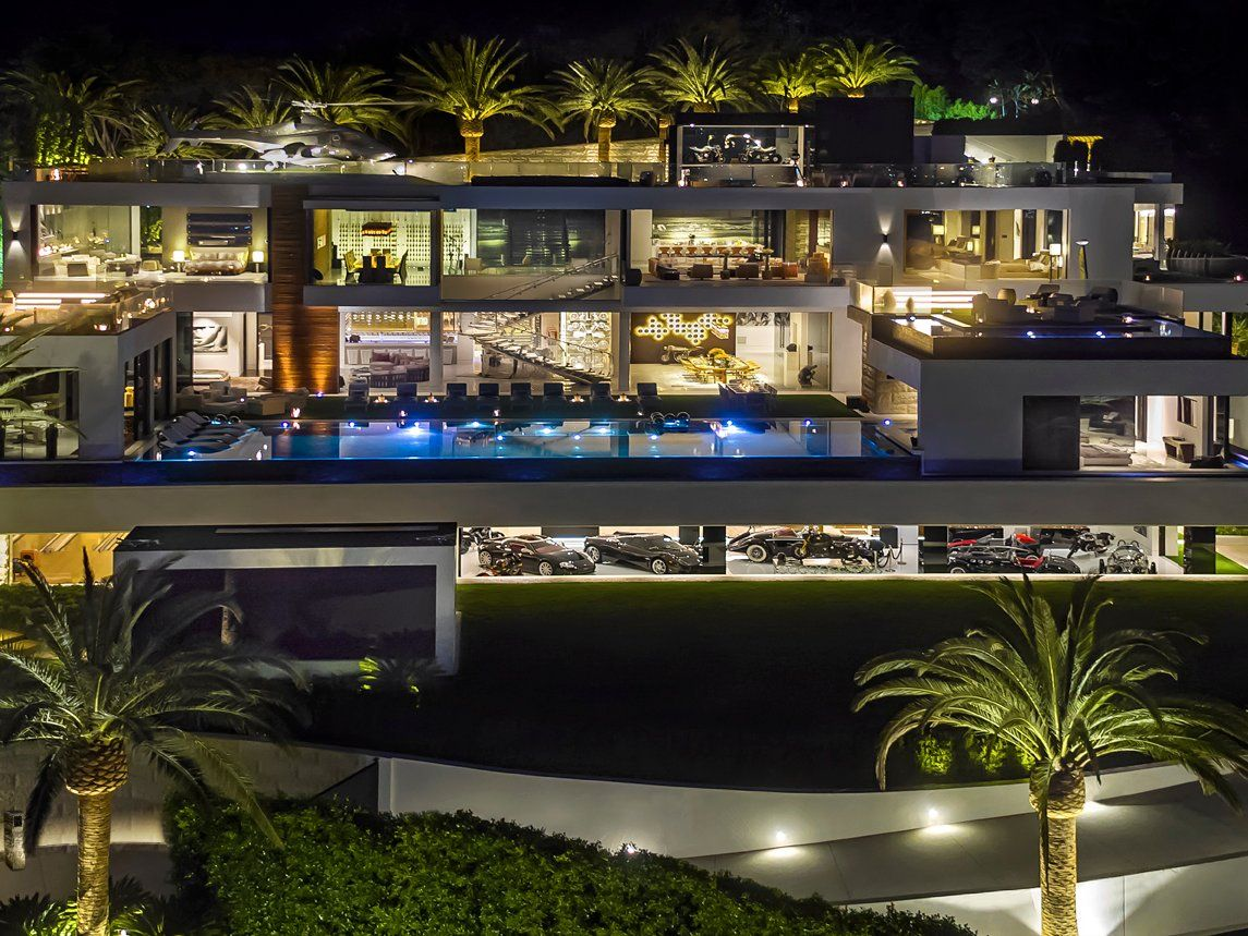 Bel Air Mansion With Crazy Perks Gets 62 Million Price Drop Business Insider Expensive Houses Bel Air Mansion Houses In America