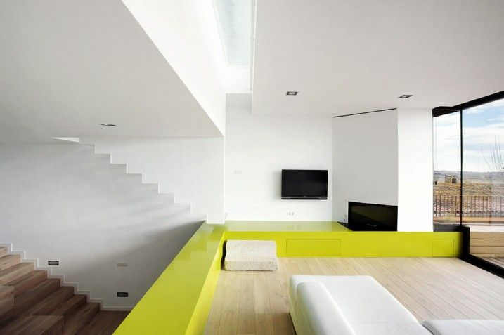 : Amusing Step Apartment Lime And White And Wood