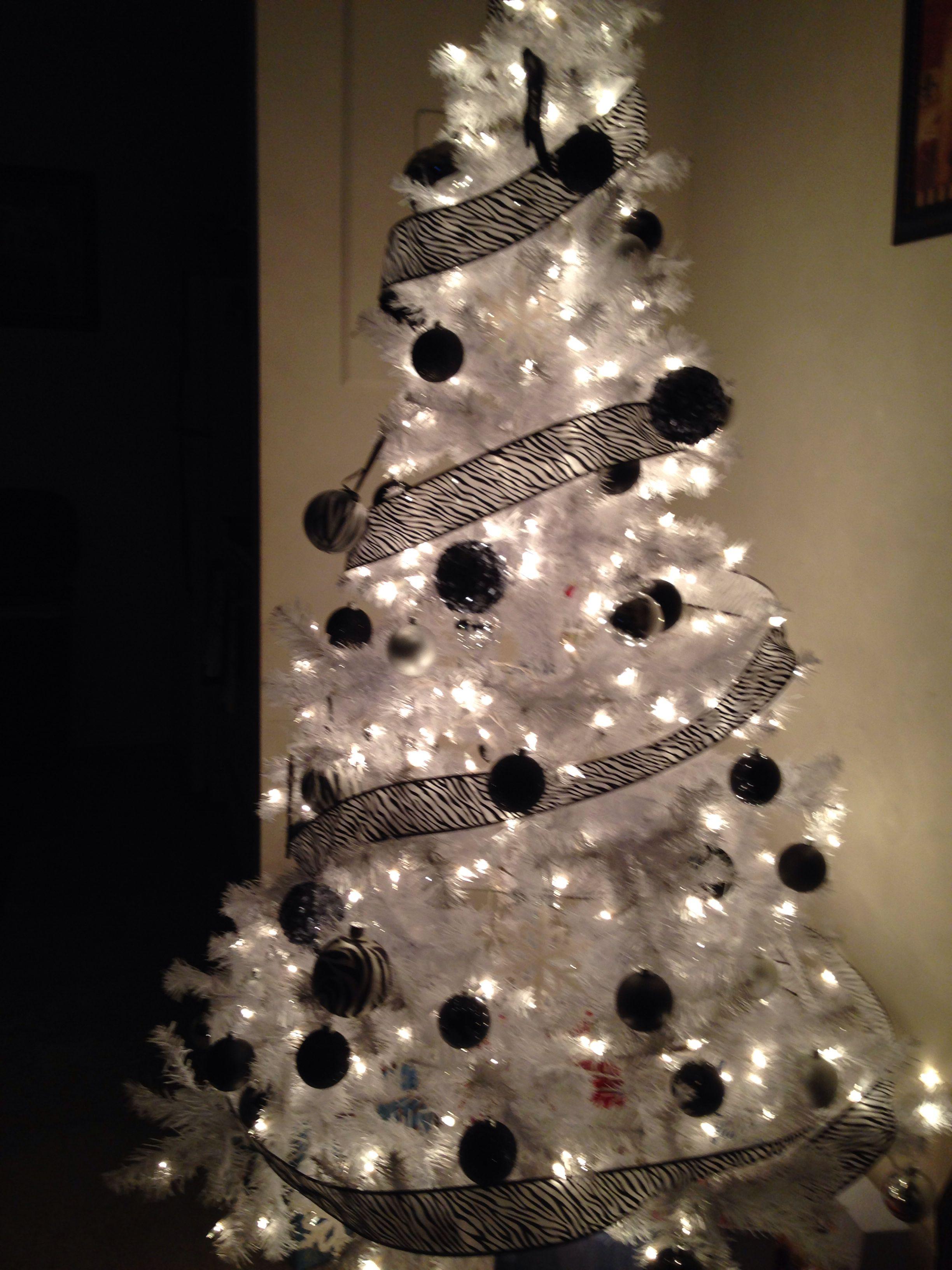 Zebra Themed Christmas Tree Christmas Tree Themes Holiday Christmas Tree Christmas Tree