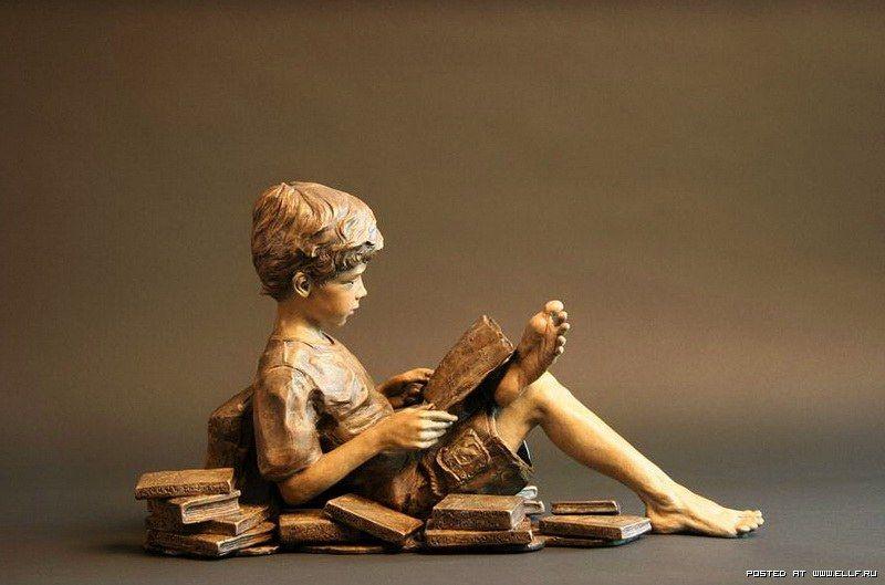 Angela Mia De La Vega 'a happy childhood with a bronze'