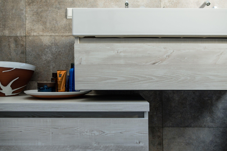 Warme Rustieke Badkamer : Deze badkamer voelt direct weldadig warm aan wanneer je
