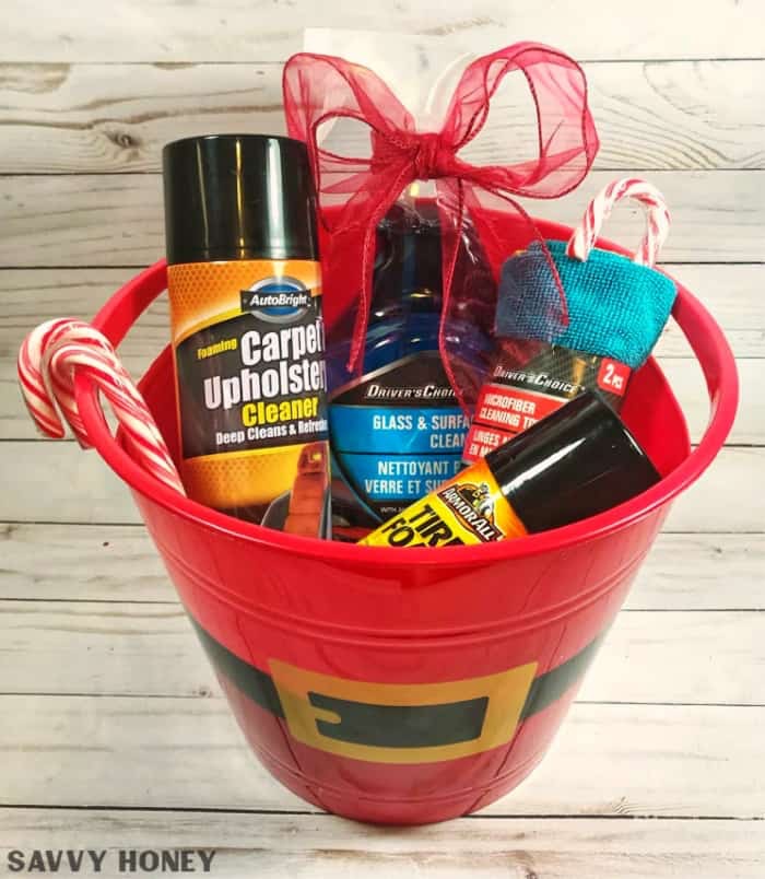 5 Crazy Cheap Christmas Gift Baskets From the Dollar Store ...