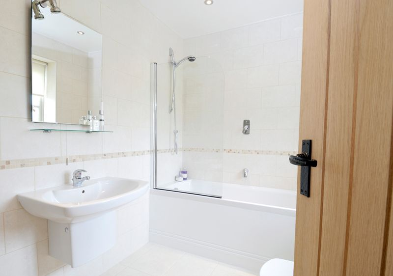 Cost Of Basic Bathroom Renovation Australia Bathroom Renovation Cost Bathroom Renovations Bathroom Accessories Luxury