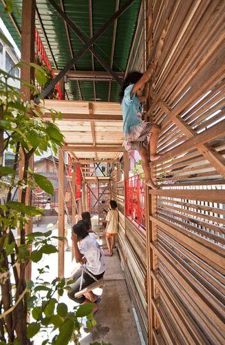 TYIN Tegnestue Arquitectos, con estudiantes y Klong Toey Comunidad - Klong Toey Comunidad Linterna