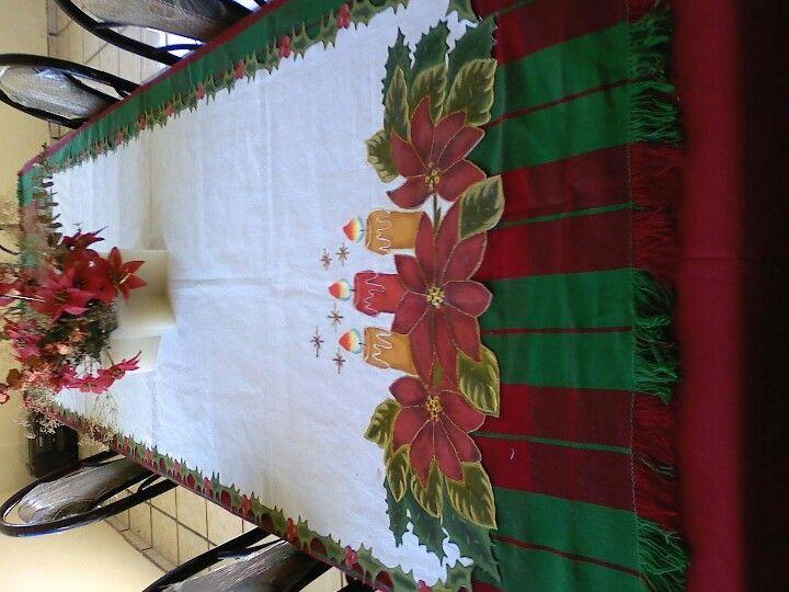 Camino de meza navide o pintado a mano manteles pintados pinterest caminos pintar y mantel - Manteles navidenos ...