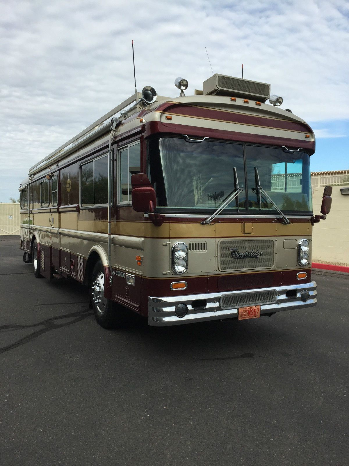 a421ba29847e18825f34cf9ecf8f156c 1982 blue bird wanderlodge motorcoach motorhome rv luxury 35  at crackthecode.co