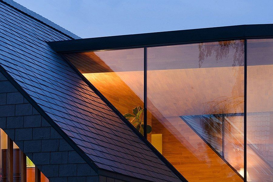 Contemporary Glass Facade Combined With The Classic Sloped Roof Barn House Design House Roof Houses In Poland