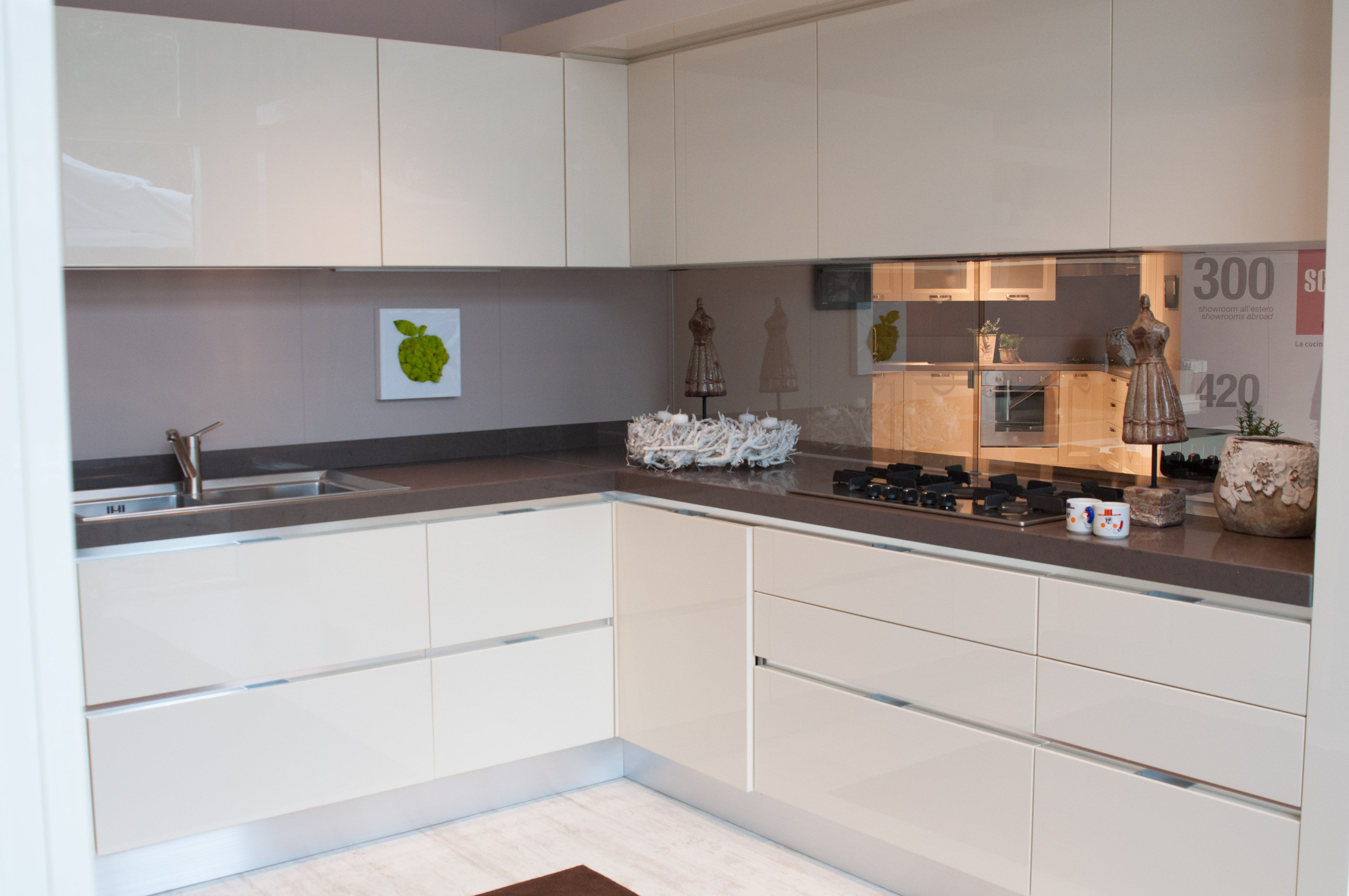 Cucina moderna scavolini composizione ad angolo bianca home pinterest apartment ideas - Cucina scavolini evolution bianca ...