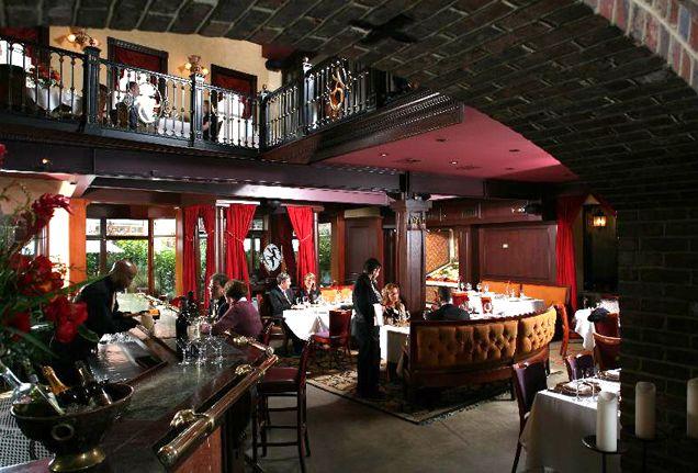 Kali S Court In Fells Point Is A Mediterranean Restaurant Hot Spot Baltimore Md