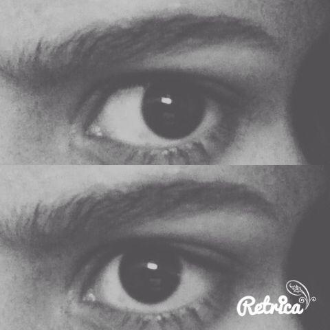 Si tus ojos no tienen mucha forma, dejar tus cejas gruesas y con una sola curva ayuda.  Ilumina un poco el lagrimal del ojo a la hora de maquillar y presto! ❤